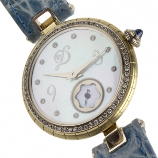 Gyöngyházas vékony női óra topázzal